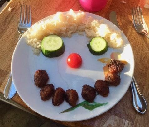 Ibland blir maten lite roligare med lite humor.