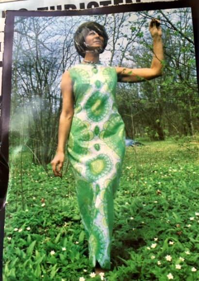 Marianne Werkelin klädd i egen design