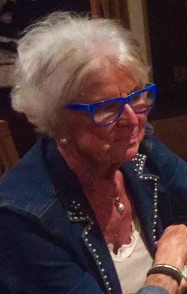 Stilig med färg och mycket pondus, mamma var en kvinna som ville mycket och fick vara med om mycket.