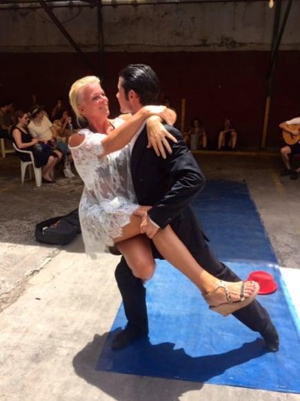 Monika dansar tango