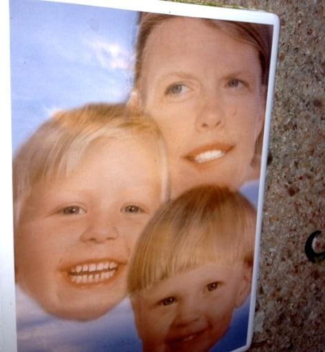 Ulrika, Charlie och Max – bilden på gravstenen
